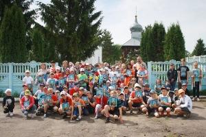 В Знаменском священник благословил школьников на летний сезон