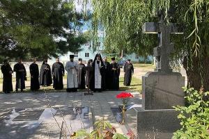В день 90-летия приснопамятного архиепископа Паисия состоялась панихида на могиле Архипастыря