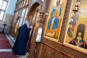 В праздник Казанской иконы Божией Матери Архипастырь возглавил литургию в Свято-Успенском монастыре