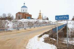 В селе Борилово под Болховом митрополит Тихон освятил новую колокольню и купель
