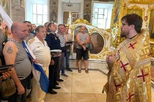 В День Военно-Морского Флота орловские моряки молились в Богоявленском соборе