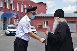 Сотрудники Госавтоинспекции удостоены наград Орловской митрополии