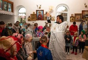 В школу — с молитвой: более 50 шаблыкинских первоклассников помолились о хорошей учебе