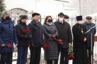 По соседству с храмом святого Александра Невского в Орле открыт памятник командующему ВДВ, Герою Советского Союза, генералу армии Василию Маргелову. 28 декабря 2020 г.