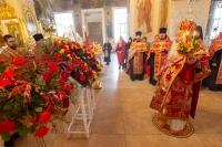В праздник Светлого Христова Воскресения митрополит Орловский и Болховский Тихон совершил Пасхальную великую вечерню в Богоявленском соборе Орла. 2 мая 2021 г.