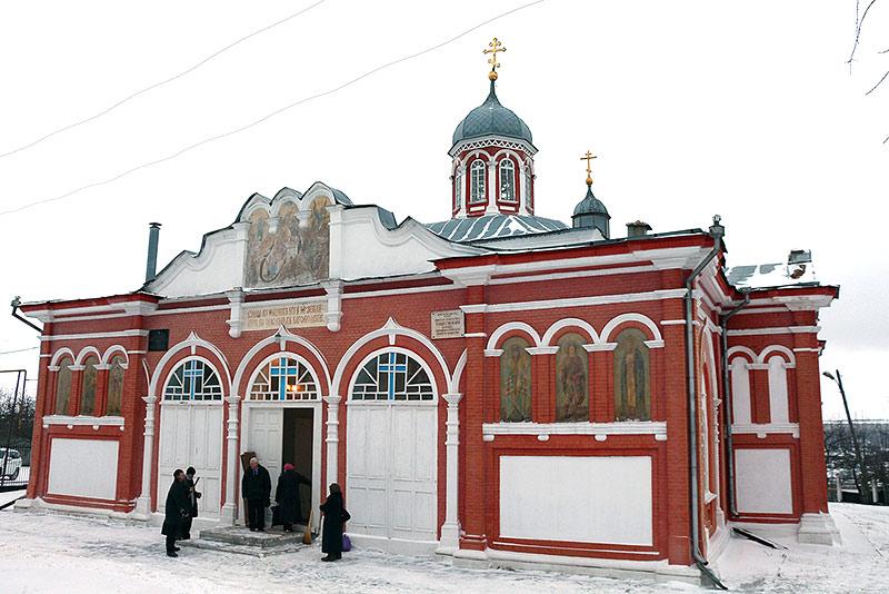 Митрополит Антоний совершил литургию в Христорождественском храме Болхова — одном из старейших  в области